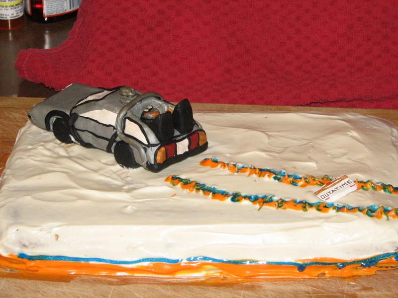 delorean_bttf_cake